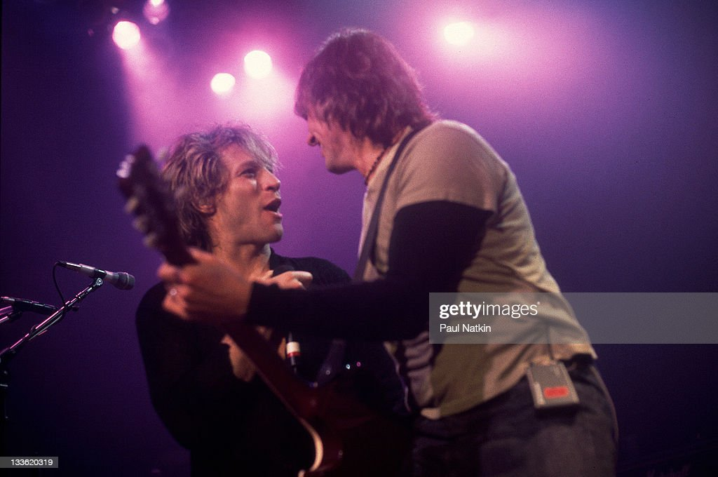 American musicians <a gi-track='captionPersonalityLinkClicked' href=/galleries/search?phrase=Jon+Bon+Jovi&family=editorial&specificpeople=201527 ng-click='$event.stopPropagation()'>Jon Bon Jovi</a> (left) and <a gi-track='captionPersonalityLinkClicked' href=/galleries/search?phrase=Richie+Sambora&family=editorial&specificpeople=204195 ng-click='$event.stopPropagation()'>Richie Sambora</a> perform at the House of Blues, Chicago, Illinois, May 20, 2000.