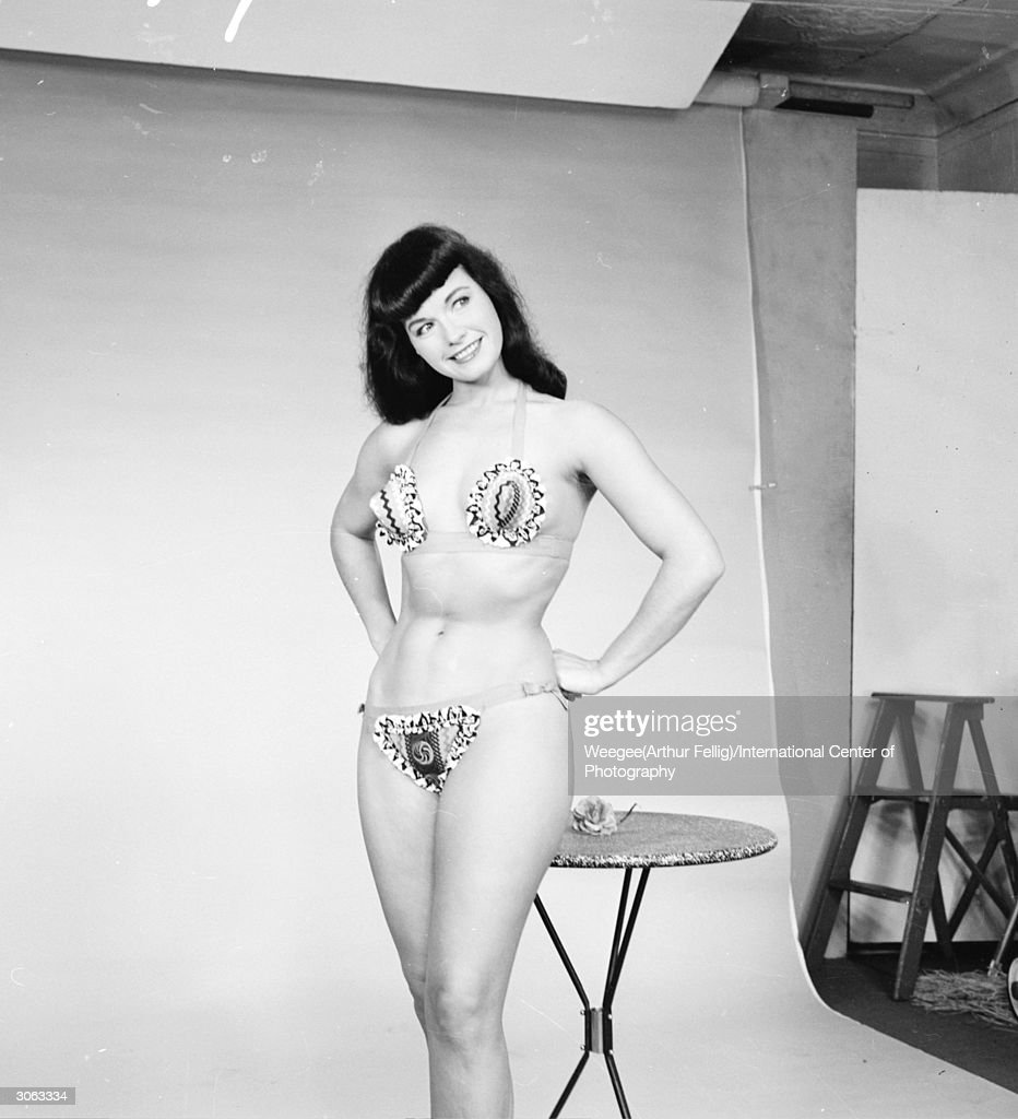 ... Fellig)/International Center of Photography/Getty Images) Show more: www.gettyimages.com/detail/news-photo/american-pin-up-bettie-page...