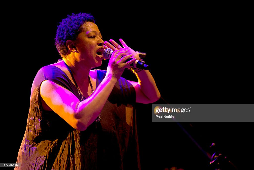 American Pop musician <a gi-track='captionPersonalityLinkClicked' href=/galleries/search?phrase=Lisa+Fischer&family=editorial&specificpeople=2034470 ng-click='$event.stopPropagation()'>Lisa Fischer</a> performs onstage at Thalia Hall, Chicago, Illinois, April 18, 2015.