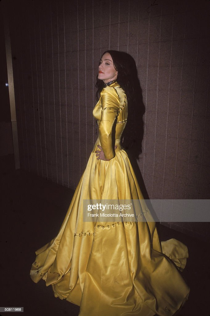 American pop singer <a gi-track='captionPersonalityLinkClicked' href=/galleries/search?phrase=Madonna+-+Singer&family=editorial&specificpeople=156408 ng-click='$event.stopPropagation()'>Madonna</a> poses backstage at the VH1 Fashion Awards, New York, New York, October 23, 1998.