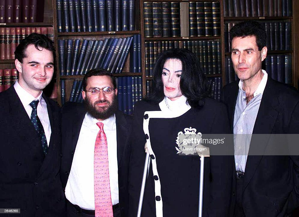 American pop star <a gi-track='captionPersonalityLinkClicked' href=/galleries/search?phrase=Michael+Jackson&family=editorial&specificpeople=70011 ng-click='$event.stopPropagation()'>Michael Jackson</a>, Israeli paranormalist Uri Geller and Rabbi Schmuly Botesh arrive at the Oxford Union to speak in aid of the charity 'Help the Children' on March 6, 2003 in Oxford, United Kingdom.