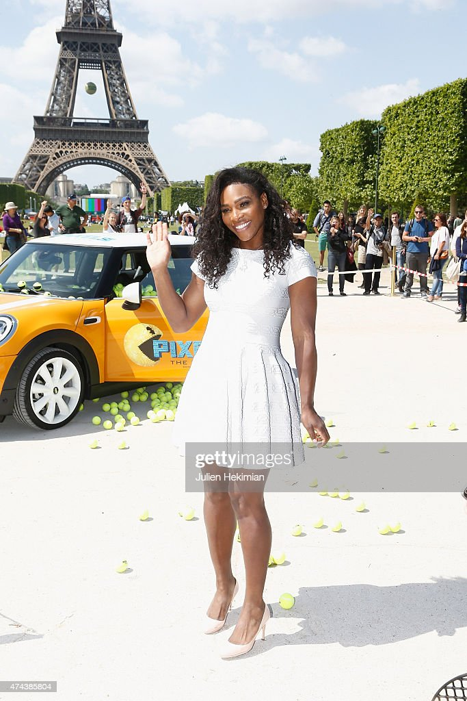 American professional tennis player <a gi-track='captionPersonalityLinkClicked' href=/galleries/search?phrase=Serena+Williams&family=editorial&specificpeople=171101 ng-click='$event.stopPropagation()'>Serena Williams</a> attends a photocall to promote the movie 'Pixels' on May 22, 2015 in Paris, France.