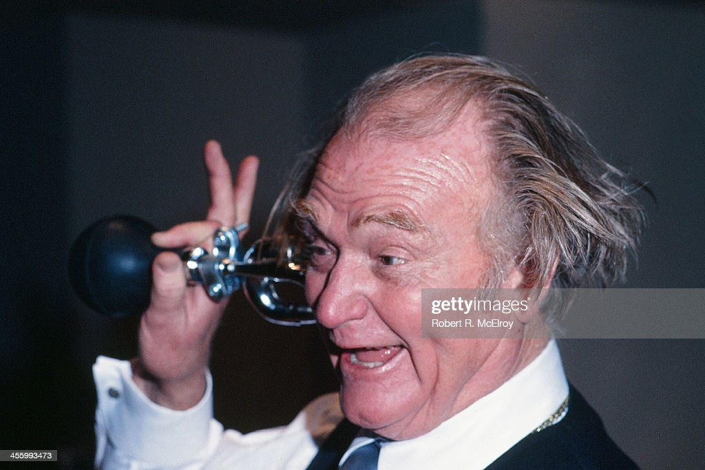 American radio and television comedian <a gi-track='captionPersonalityLinkClicked' href=/galleries/search?phrase=Red+Skelton&family=editorial&specificpeople=208234 ng-click='$event.stopPropagation()'>Red Skelton</a> (1913 - 1997) attends an unspecified event, New York, New York, 1977.
