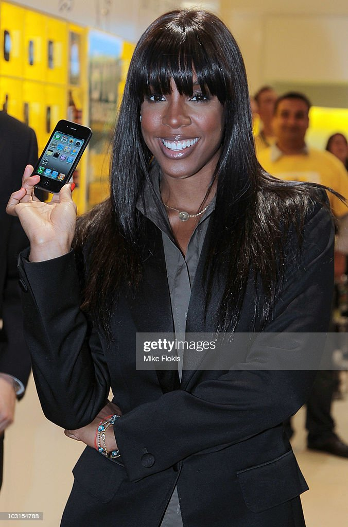 American R&B artist Kelly Rowland attends a photo call to promote the release of the iPhone 4 for Optus on July 30, 2010 in Sydney, Australia. The artist was in Sydney to promote the launch of Apple's iPhone 4 which went on sale at outlets across Australia at 12:00am on Friday, July 30.
