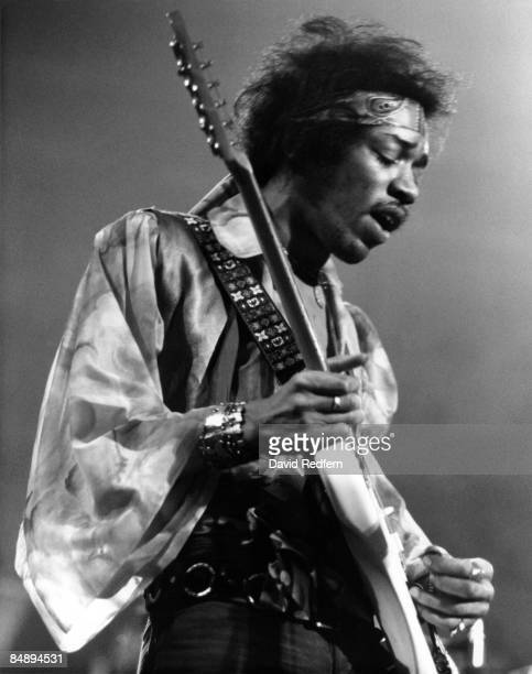 HALL Photo of Jimi HENDRIX and JIMI HENDRIX EXPERIENCE Jimi Hendrix performing on stage