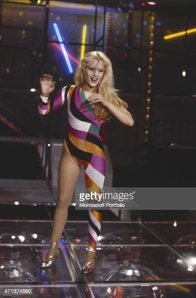 American showgirl Heather Parisi smiling at TV variety show Fantastico Milan 1979