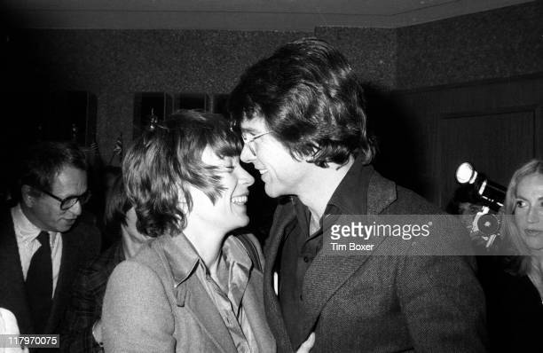 American sibling actors Shirley MacLaine and Warren Beatty attend the premiere of 'Shampoo' at the Columbia Pictures Screening Room New York New York...