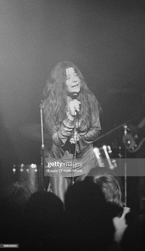 American singer <a gi-track='captionPersonalityLinkClicked' href=/galleries/search?phrase=Janis+Joplin&family=editorial&specificpeople=552062 ng-click='$event.stopPropagation()'>Janis Joplin</a> (1943 - 1970) performing with the Kozmic Blues Band at the Royal Albert Hall, London, 21st April 1969.