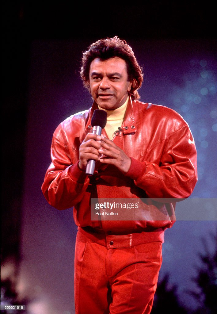 American singer Johnny Mathis performs on the 'Oprah Winfrey Show' Chicago Illinois 1991