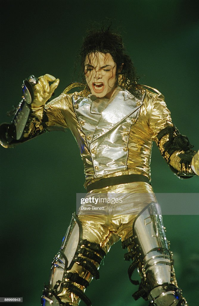 American singer <a gi-track='captionPersonalityLinkClicked' href=/galleries/search?phrase=Michael+Jackson&family=editorial&specificpeople=70011 ng-click='$event.stopPropagation()'>Michael Jackson</a> (1958 - 2009) performing at Wembley Stadium, London, during the HIStory World Tour, 15th July 1997.