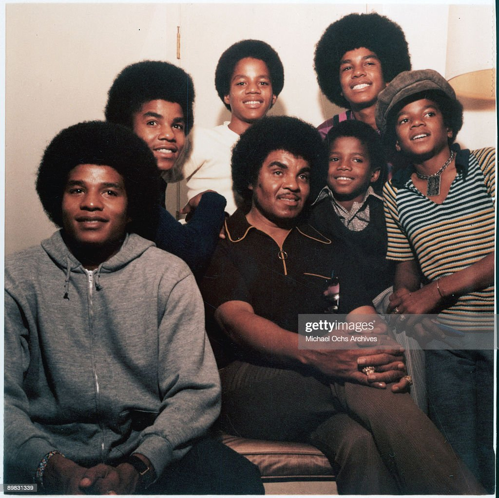 American singer Michael Jackson (1958 - 2009) with his brothers Jackie, Tito, Marlon, Jermaine and Randy and their father Joseph, circa 1971.
