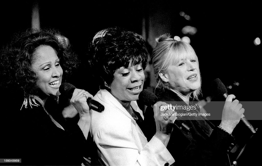 American singers <a gi-track='captionPersonalityLinkClicked' href=/galleries/search?phrase=Darlene+Love&family=editorial&specificpeople=220743 ng-click='$event.stopPropagation()'>Darlene Love</a> (left) and Merry Clayton (center) with British singer <a gi-track='captionPersonalityLinkClicked' href=/galleries/search?phrase=Marianne+Faithfull&family=editorial&specificpeople=204597 ng-click='$event.stopPropagation()'>Marianne Faithfull</a> (left) as they perform as part of the '20th Century Pop' concert at Rainbow & Stars in the Rockefeller Center, New York, New York, January 8, 1996.