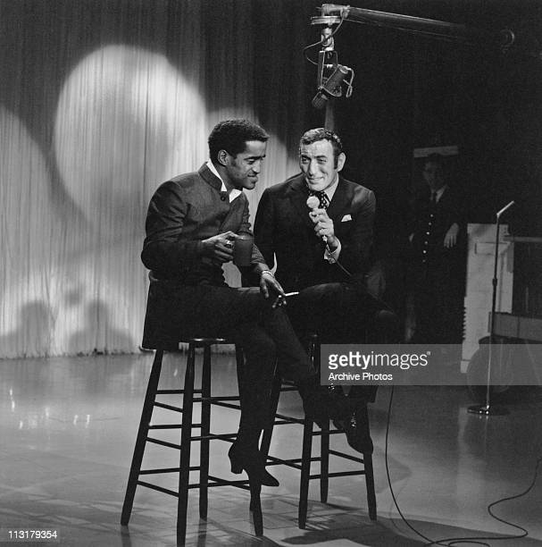 American singers Sammy Davis Junior and Tony Bennett performing on a television show circa 1960