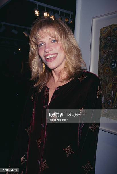 American singersongwriter Carly Simon attends an art show at the Park Avenue Armory New York City USA circa 1997