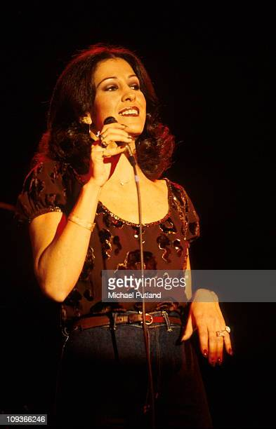 American singersongwriter Rita Coolidge performing on stage at a concert with her husband Kris Kristofferson USA January 1979