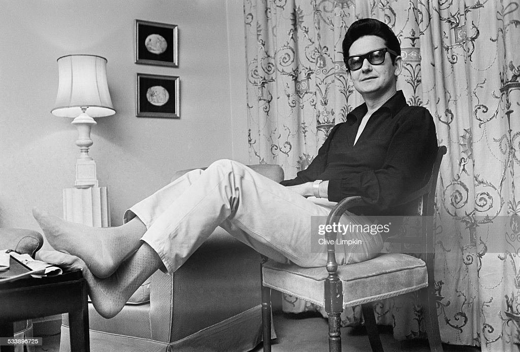 American singer-songwriter <a gi-track='captionPersonalityLinkClicked' href=/galleries/search?phrase=Roy+Orbison&family=editorial&specificpeople=913944 ng-click='$event.stopPropagation()'>Roy Orbison</a> (1936 - 1988) in his room at the Westbury Hotel, London, 1st March 1967.