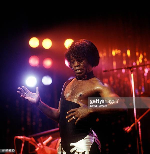ODEON Photo of James BROWN performing live onstage