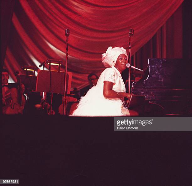 Singer Aretha Franklin performs on stage at the Hammersmith Odeon in London England in 1968