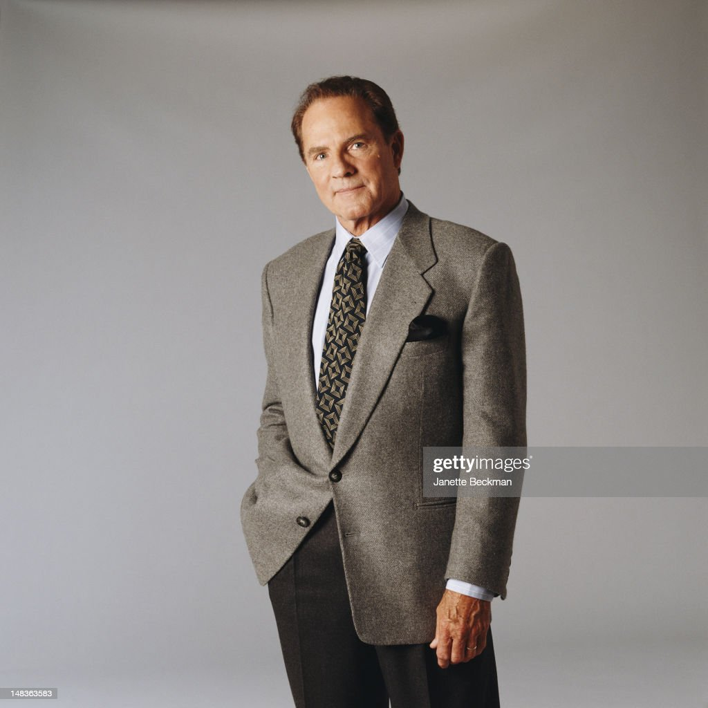 American sportscaster <a gi-track='captionPersonalityLinkClicked' href=/galleries/search?phrase=Frank+Gifford&family=editorial&specificpeople=214258 ng-click='$event.stopPropagation()'>Frank Gifford</a>, New York City, 1995.