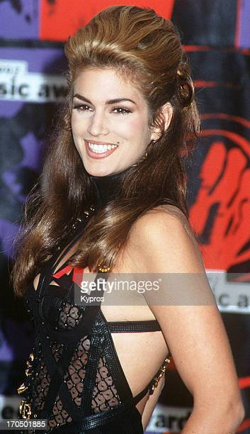 American supermodel Cindy Crawford attends the Ninth Annual MTV Video Music Awards on September 9 1992 at the Pauley Pavilion UCLA in Westwood...