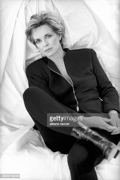 American television and film actress Linda Gray.