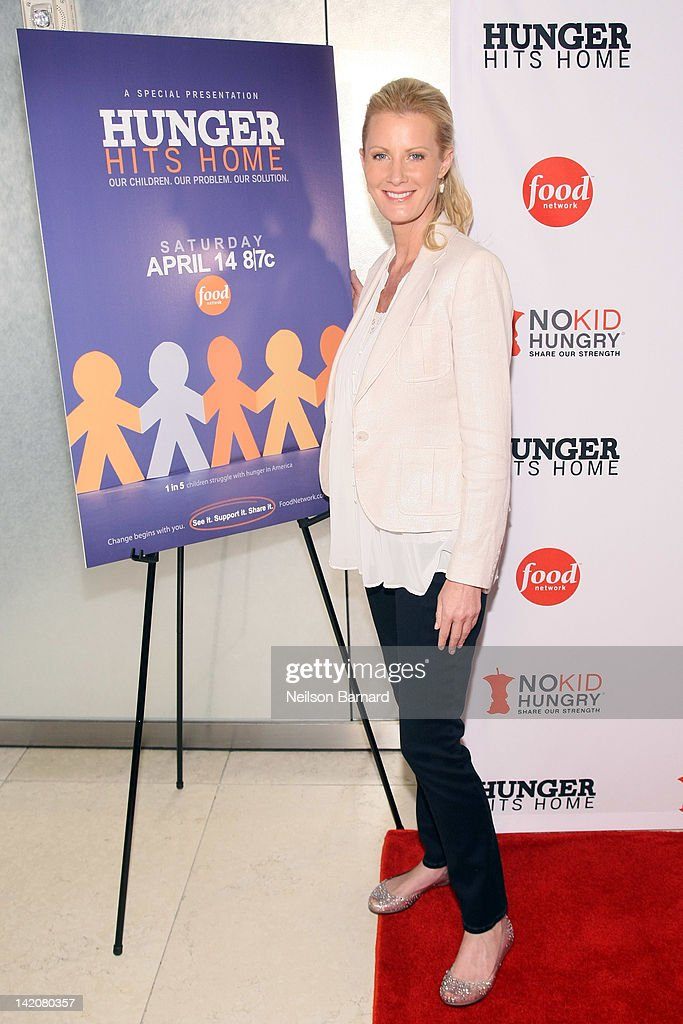 American television cook and author <a gi-track='captionPersonalityLinkClicked' href=/galleries/search?phrase=Sandra+Lee+-+Television+Personality&family=editorial&specificpeople=242799 ng-click='$event.stopPropagation()'>Sandra Lee</a> attends the 'Hunger Hits Home' screening at the Hearst Screening Room on March 29, 2012 in New York City.