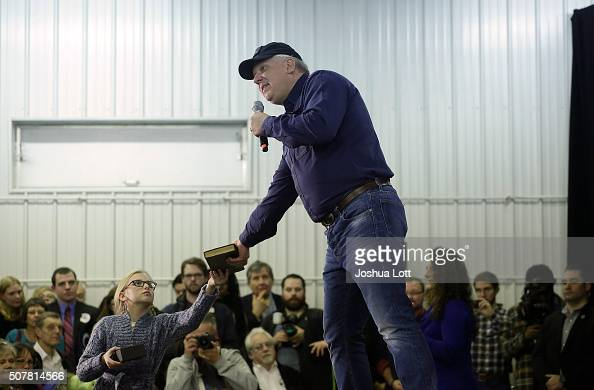 American television personality and radio host glenn beck hands his