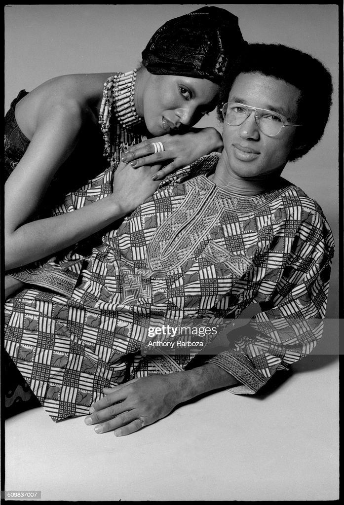 American tennis player <a gi-track='captionPersonalityLinkClicked' href=/galleries/search?phrase=Arthur+Ashe&family=editorial&specificpeople=215183 ng-click='$event.stopPropagation()'>Arthur Ashe</a> (1943 - 1993) poses with an unidentified model, New York, 1971.