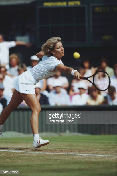 American tennis player Chris Evert pictured in action during progress to reach the semifinals of the Women's Singles tennis tournament at the 1986...