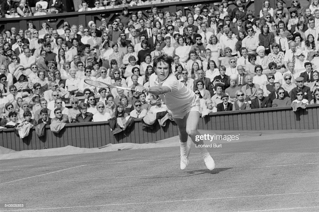 American tennis player <a gi-track='captionPersonalityLinkClicked' href=/galleries/search?phrase=Jimmy+Connors&family=editorial&specificpeople=157507 ng-click='$event.stopPropagation()'>Jimmy Connors</a> competing against number 7 seed Bob Hewitt of South Africa in the first round of the Men's Singles at Wimbledon, London, 26th June 1972. The unseeded Connors won the match 6-3, 9-7, 7-5.