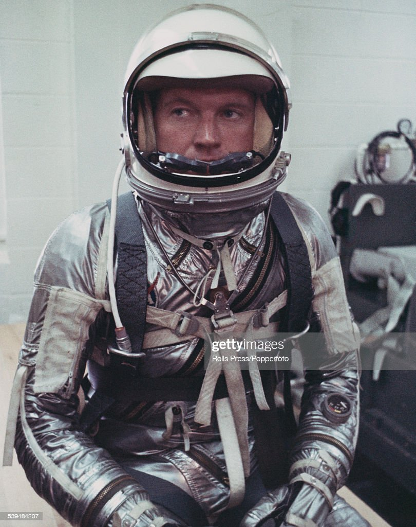 American test pilot, astronaut and member of the Mercury 7 team, <a gi-track='captionPersonalityLinkClicked' href=/galleries/search?phrase=Gordon+Cooper+-+Astronaut&family=editorial&specificpeople=90970 ng-click='$event.stopPropagation()'>Gordon Cooper</a> (1927-2004) pictured dressed in a space suit during training at Cape Canaveral in Florida in 1961.