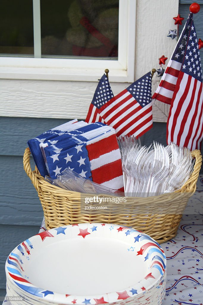 American Themed Tableware