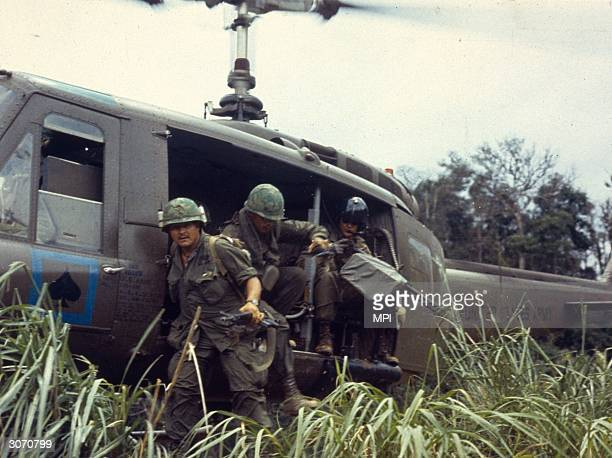 American troops landing in Vietnam