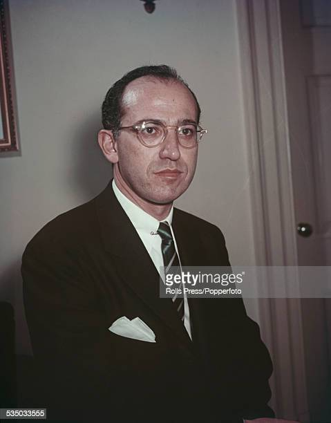 a biography of jonas salk a jewish american medical researcher and virologist Jonas salk jonas salk (born new york city, october 28, 1914 - june 23, 1995) was an american medical researcher and virologist, best known for his development of the first polio vaccine.