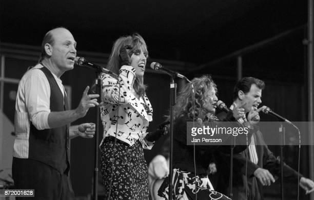 American vocal group Manhattan Transfer performing at Tivoli Gardens Copenhagen Denmark July 1989 From left to right Tim Hauser Cheryl Bentyne Janis...