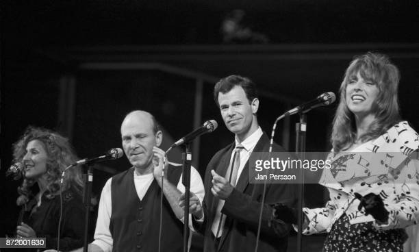 American vocal group Manhattan Transfer performing at Tivoli Gardens Copenhagen Denmark July 1989 From left to right Janis Siegel Tim Hauser Alan...