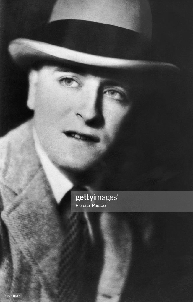 American writer <a gi-track='captionPersonalityLinkClicked' href=/galleries/search?phrase=F.+Scott+Fitzgerald+-+Writer&family=editorial&specificpeople=93376 ng-click='$event.stopPropagation()'>F. Scott Fitzgerald</a> (1896 - 1940) wearing a hat, late 1920s.