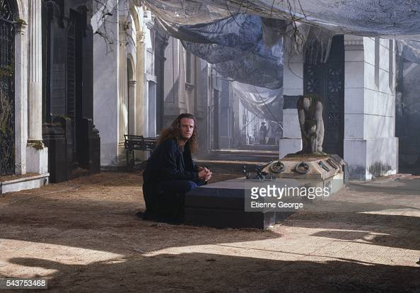 Americanborn actor Christopher Lambert on the set of 'Highlander II The Quickening' directed by Russell Mulcahy
