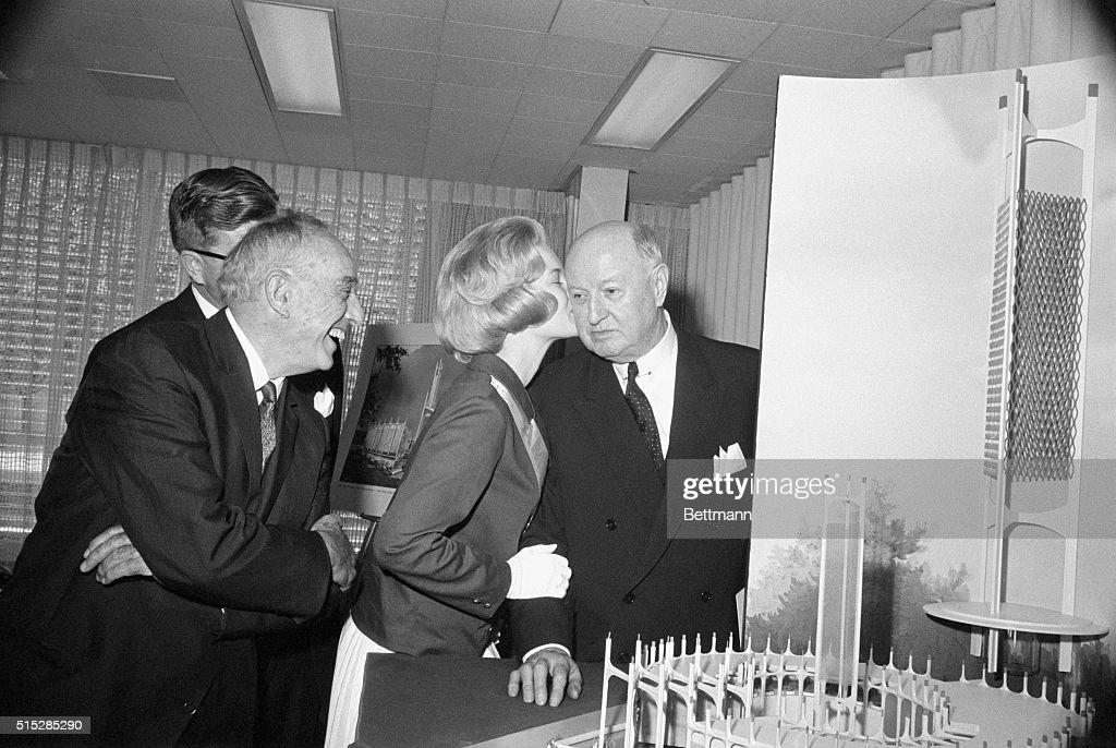 America's Junior Miss Diane Sawyer of Louisville Ky James A Farley chairman of the board of the CocaCola Export Corporation Robert Moses and J Paul...