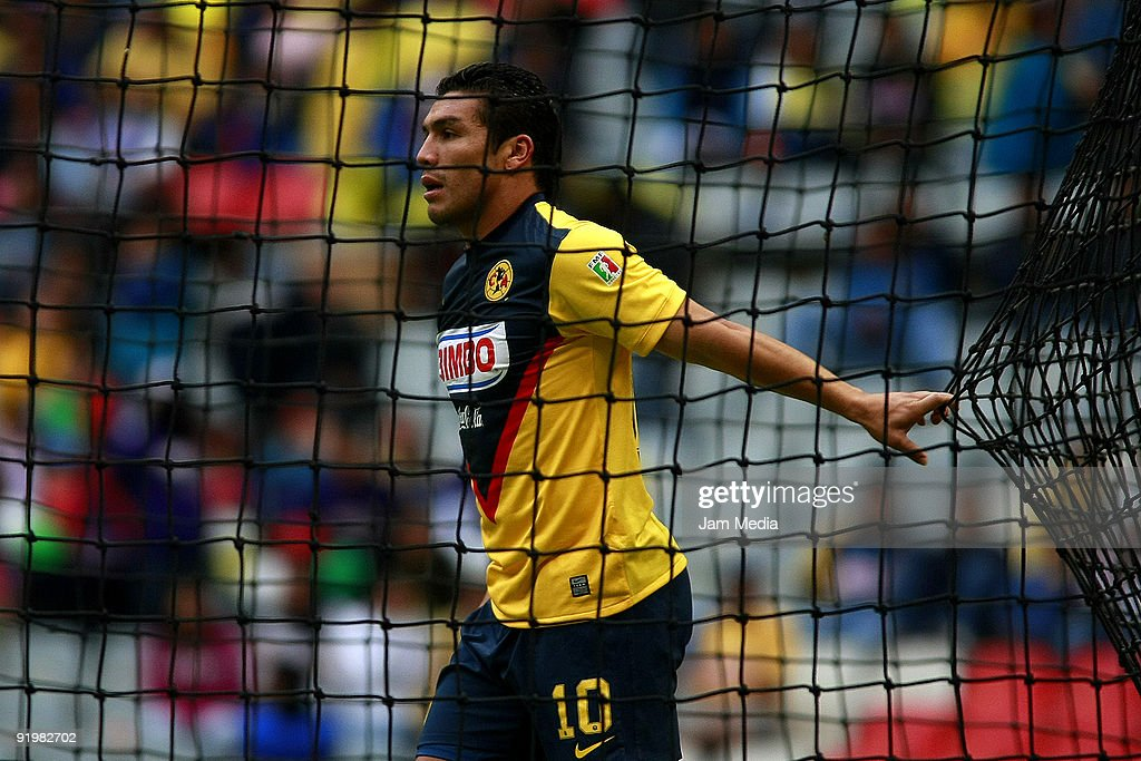America's player Salvador Cabanas reacts during their match in the 2009 Opening tournament, the closing stage of the Mexican Football League, at the Azteca Stadium on October 18, 2009 in Mexico City, Mexico.