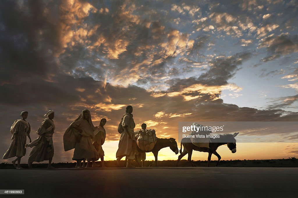 Amhara women on the way to market