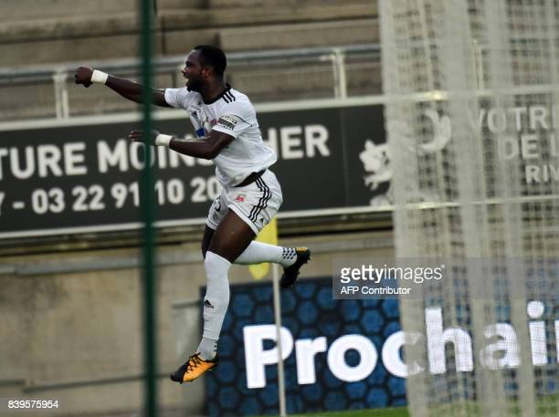 Amiens' Moussa Konate celebrates after scoring during the French Ligue1 football match between Amiens and Nice on August 26 2017 at the Licorne...
