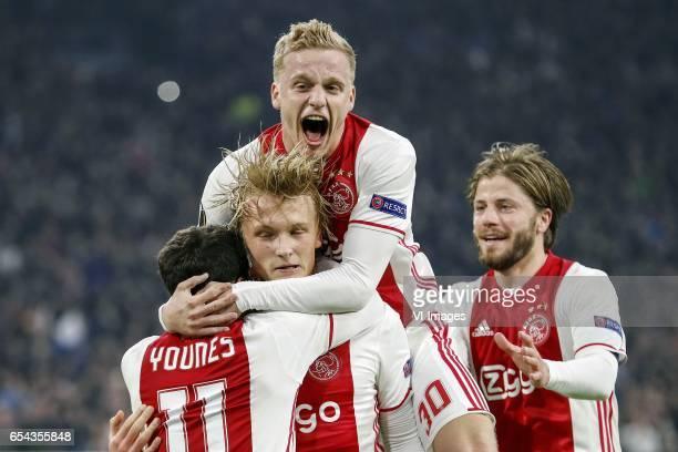 Amin Younes of Ajax Kasper Dolberg of Ajax Donny van de Beek of Ajax Lasse Schone of Ajaxduring the UEFA Europa League round of 32 match between Ajax...