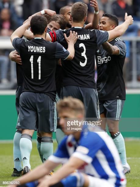 Amin Younes of Ajax Maximilian Wober of Ajax Lasse Schone of Ajax Hakim Ziyech of Ajax Joel Veltman of Ajax Daniel Hoegh of sc Heerenveen Justin...