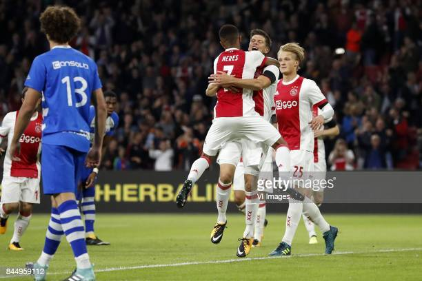 Amin Younes of Ajax Phillipe Sandler of PEC Zwolle David Neres of Ajax Klaas Jan Huntelaar of Ajax Kasper Dolberg of Ajax during the Dutch Eredivisie...