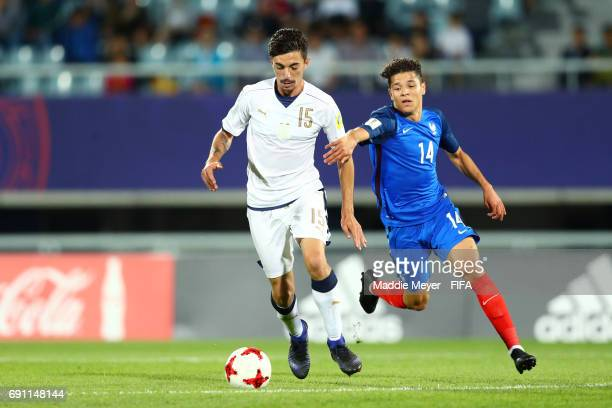 Amine Harit of France challenges Mattia Vitale of Italy during the FIFA U20 World Cup Korea Republic 2017 Round of 16 match between France and Italy...