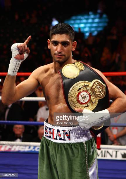 Amir Khan stops Dmitriy Salita of the US in the first round to retain his WBA Light Welterweight title on December 5 2009 in Newcastle upon Tyne...