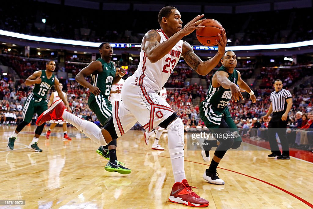 Amir Williams #23 of the Ohio State Buckeyes tracks down a loose ball during the second half at Value City Arena on November 12, 2013 in Columbus, Ohio. Ohio State defeated Ohio 79-69.
