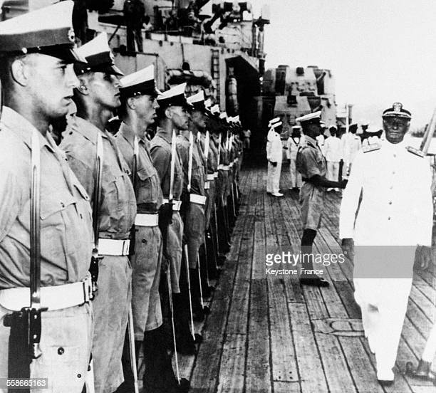 Chester nimitz stock photos and pictures getty images for Revue en anglais