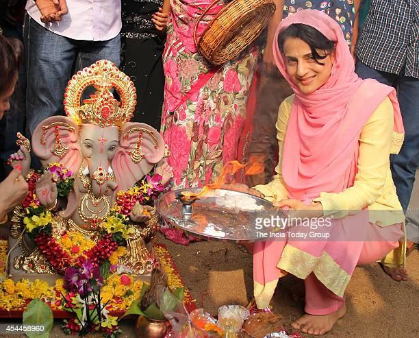 Amisha Patel bids adieu to Ganpati Bappa amidst festive grandeur
